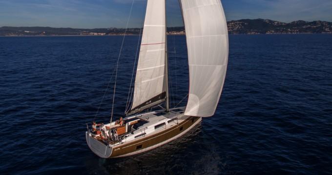 Rental Sailboat in Lávrio - Hanse Hanse 418