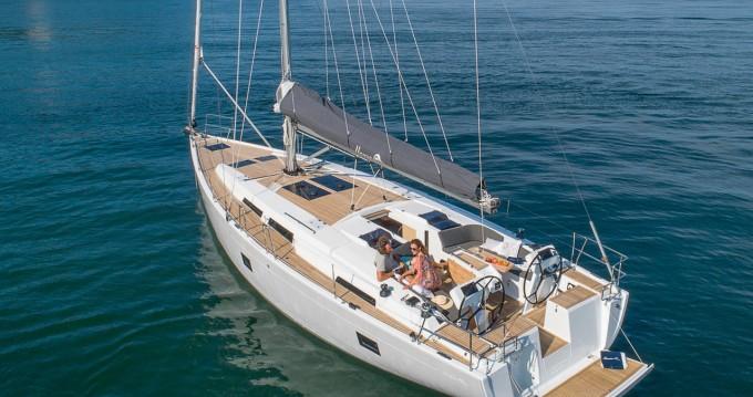 Rental Sailboat in Komolac - Hanse Hanse 458