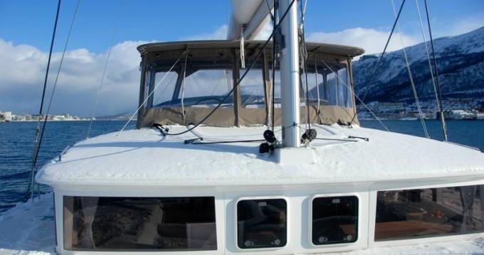 Boat rental Lagoon Lagoon 450 in Tromsø on Samboat