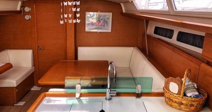 Boat rental Jeanneau Sun Odyssey 419 in Lefkada (Island) on Samboat