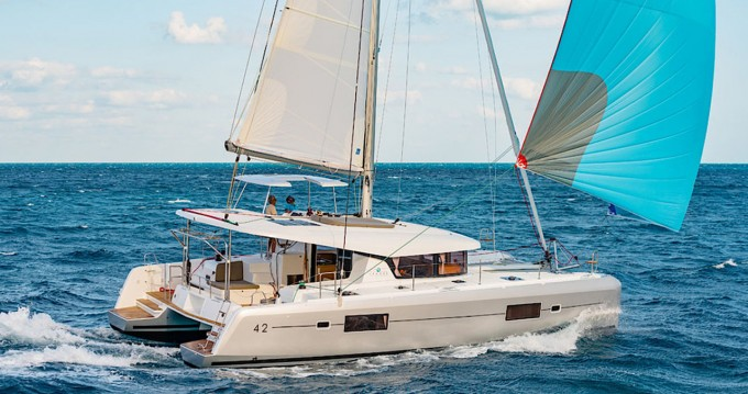 Catamaran for rent Can Pastilla at the best price