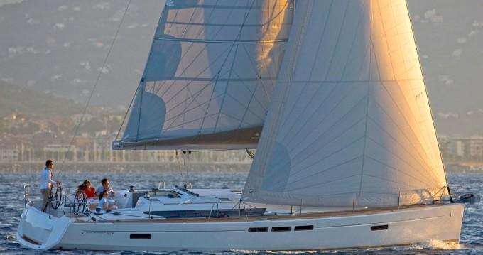 Boat rental Jeanneau Sun Odyssey 519 in Can Pastilla on Samboat