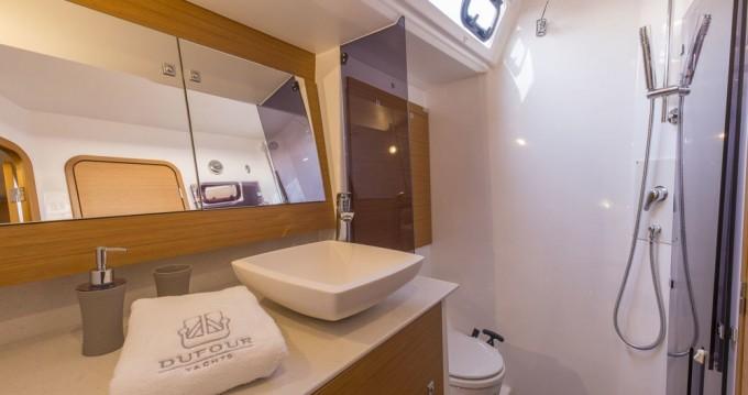 Rental Sailboat in Marina di Portorosa - Dufour Dufour 520 Grand Large
