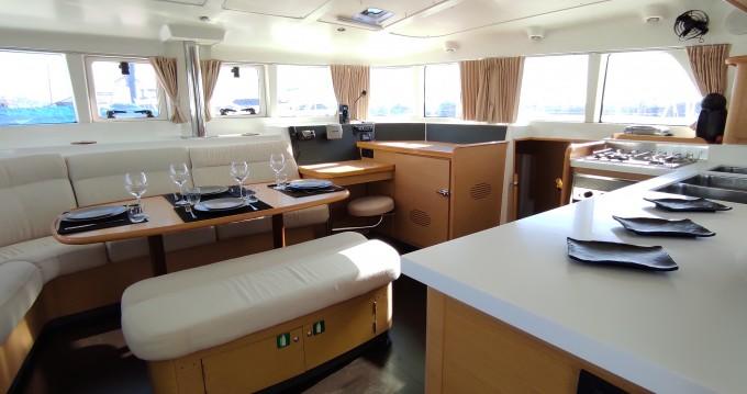 Rental Catamaran in Alimos - Lagoon Lagoon 440