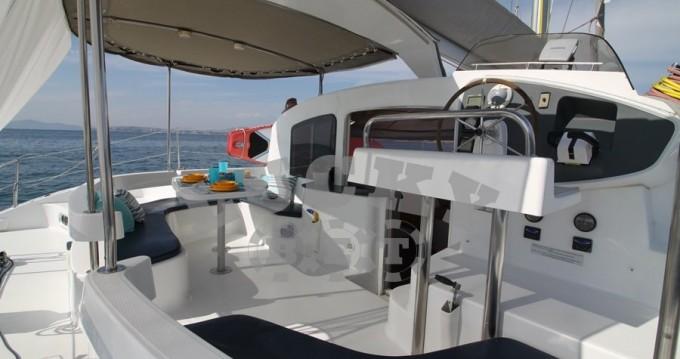 Boat rental Fountaine Pajot Lavezzi 40 in Alimos on Samboat