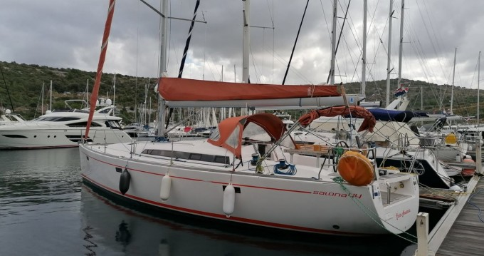 Hire Sailboat with or without skipper Salona Seget Donji
