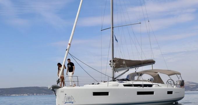Rental Sailboat in Kaštela - Jeanneau Sun Odyssey 440