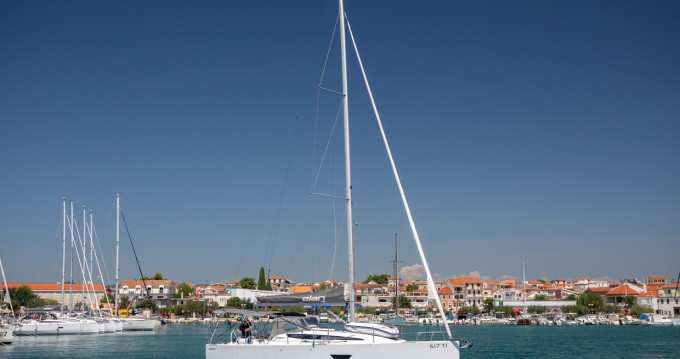 Rental yacht Pirovac - Elan E4 on SamBoat