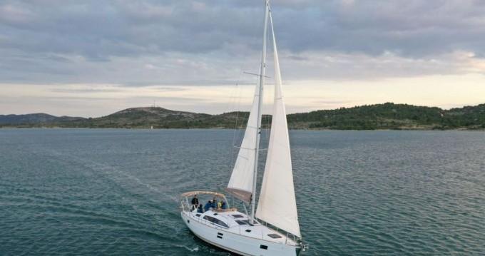 Boat rental Elan Impression 45.1 in Pirovac on Samboat