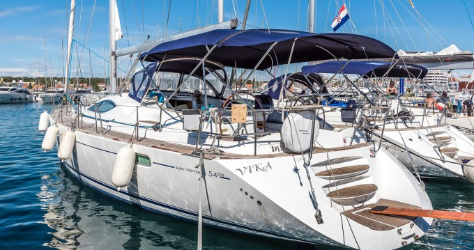 Jeanneau Sun Odyssey 54 DS between personal and professional Pirovac
