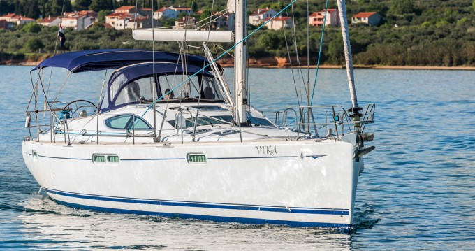 Hire Sailboat with or without skipper Jeanneau Pirovac