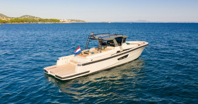Motorboat for rent Portals Nous at the best price
