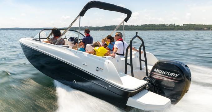 Boat rental Zadar cheap Bayliner Element E7