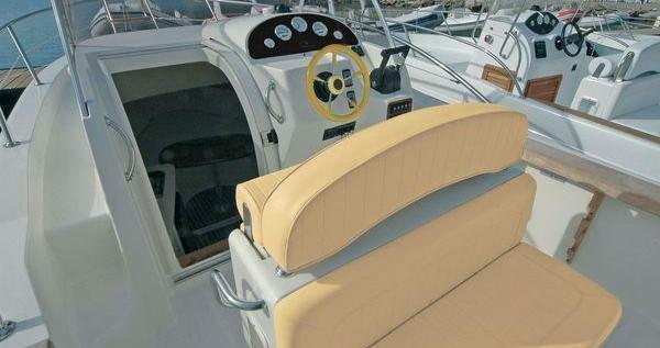 Boat rental Capelli Cap 27 WA in Olbia on Samboat