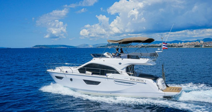 Boat rental Podstrana cheap Sessa Fly 42 - 2 cab.