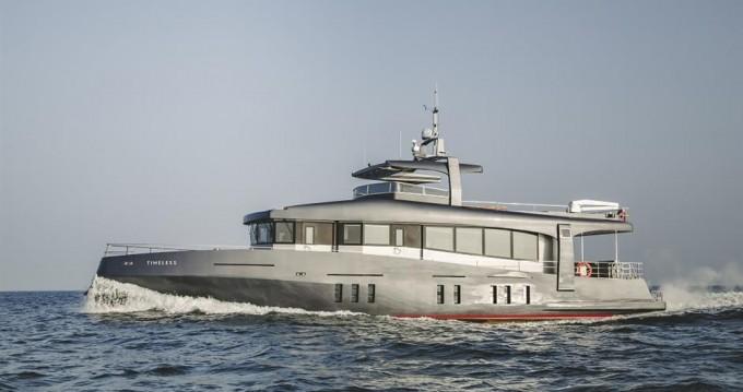 Motorboat for rent Kaštela at the best price