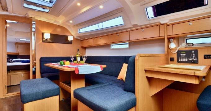 Rental Sailboat in Šibenik - Bavaria Cruiser 41