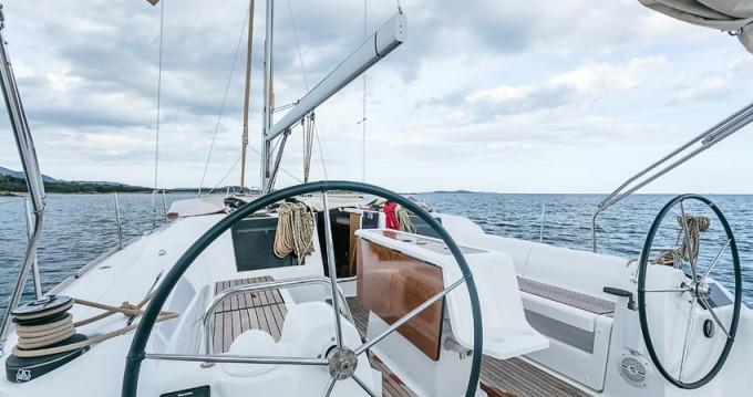 Boat rental Dufour Dufour 412 Grand Large in Portisco on Samboat