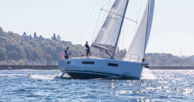 Jeanneau Sun Odyssey 440 between personal and professional Portisco