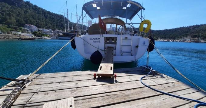 Boat rental Bénéteau Oceanis 40 in Fethiye on Samboat
