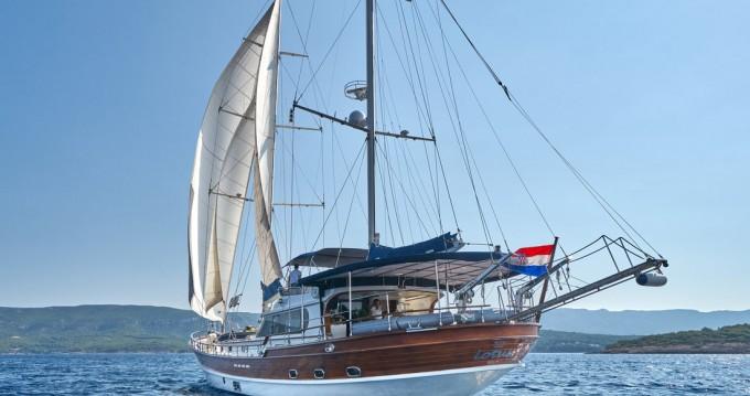 Boat rental Split cheap Lotus
