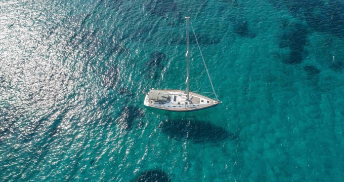 Boat rental Ocean Star Ocean Star 56.1 - 6 cab. in Foinikas on Samboat