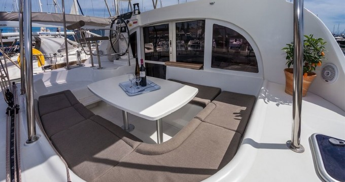 Boat rental Rafina Port cheap Lagoon 380