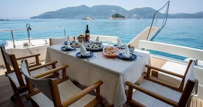 Hire Motorboat with or without skipper Posillipo Zakynthos (Island)