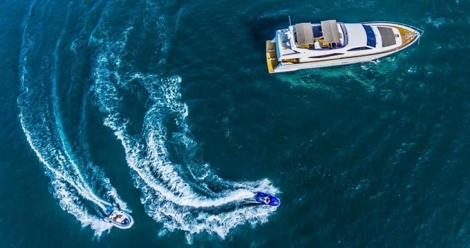 Boat rental Ferretti Ferretti Yachts 760 in Seget Donji on Samboat