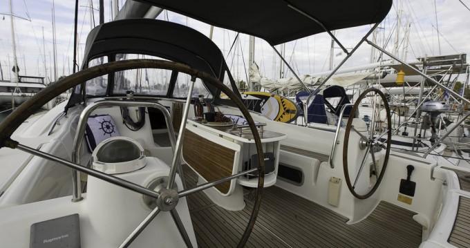 Rental yacht Lávrio - Bénéteau Oceanis 46 on SamBoat