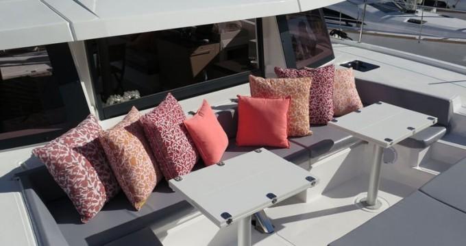 Boat rental Catana Bali 4.3 - 4 + 1 cab. in Scrub Island on Samboat