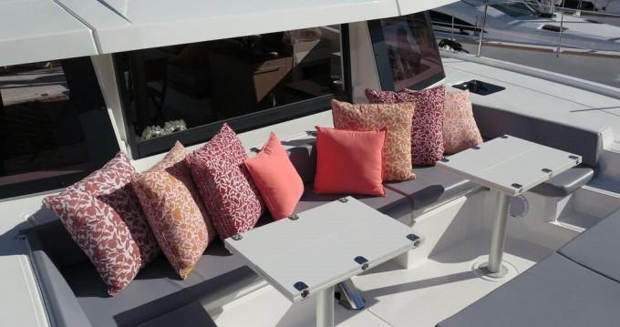 Boat rental Naples cheap Bali 4.3 - 4 + 2 cab.