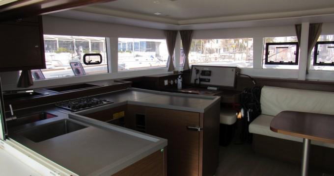 Boat rental Lagoon Lagoon 450 Sport Top in Split on Samboat