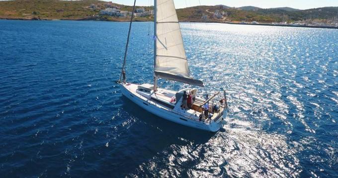 Boat rental Bénéteau Oceanis 45 in Thassos Island on Samboat