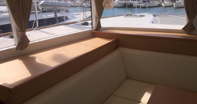 Boat rental Lagoon Lagoon 400 S2 in Paros Island on Samboat