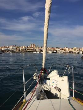 Rent a Bénéteau Oceanis 37 Paros Island