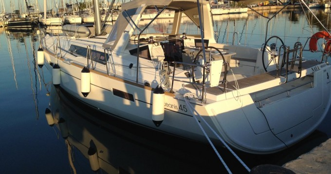 Hire Sailboat with or without skipper Bénéteau Paros Island