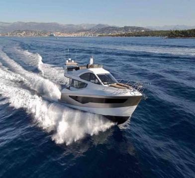 Rental Motorboat in Rogoznica - Galeon Galeon 550 Fly