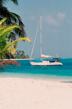 Hire Sailboat with or without skipper Feeling-Yachts Corazón de Jesús Island