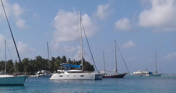 Rental Catamaran in Corazón de Jesús Island - Fountaine Pajot Salina 48