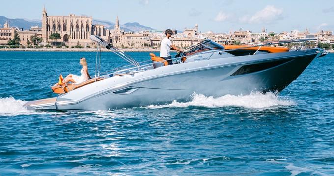 Cranchi Cranchi 30 Endurance between personal and professional Palma de Mallorca