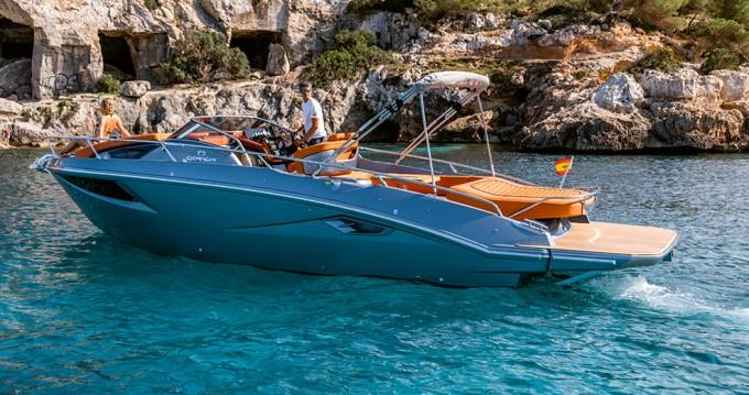 Rental Motorboat in Palma de Mallorca - Cranchi Cranchi 30 Endurance