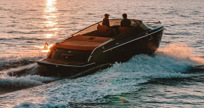 Boat rental Palma de Mallorca cheap Cranchi E26 Classic