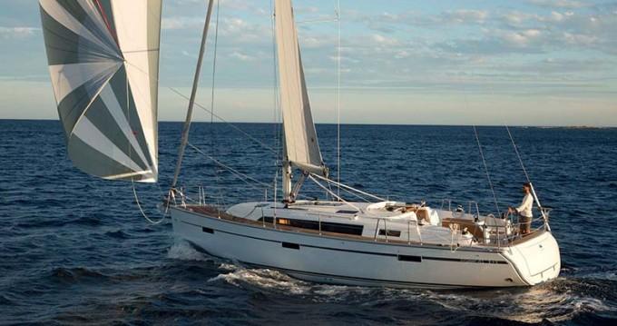 Rent a Bavaria Cruiser 41S Jezera