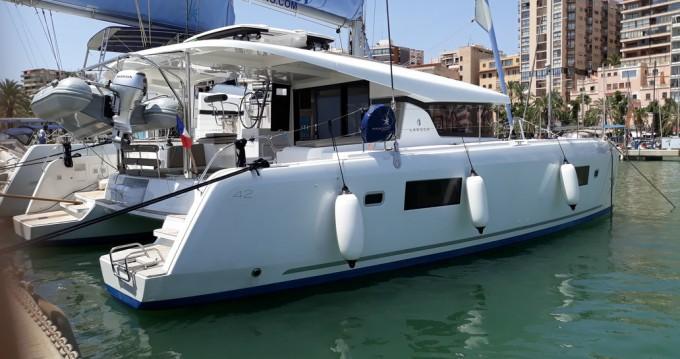 Boat rental Lagoon Lagoon 42 in Palma de Mallorca on Samboat