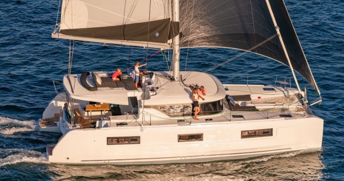 Hire Catamaran with or without skipper Lagoon Marsh Harbour