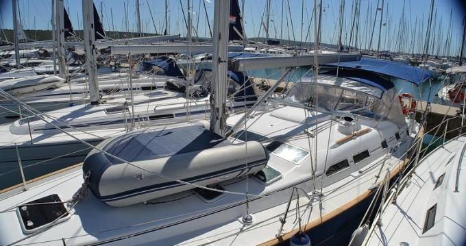 Rental Sailboat in Sukošan - Bénéteau Oceanis Clipper 423 - 4 cab.