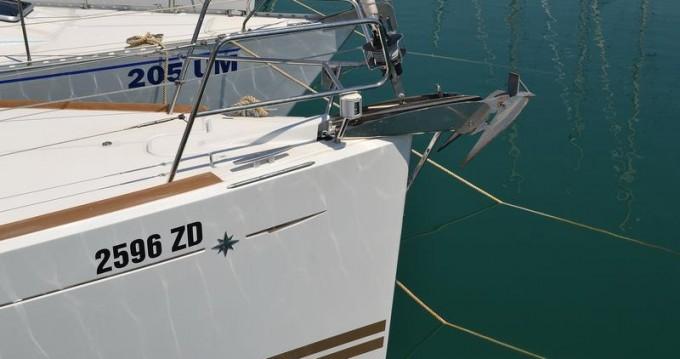 Boat rental Jeanneau Sun Odyssey 379 in Sukošan on Samboat