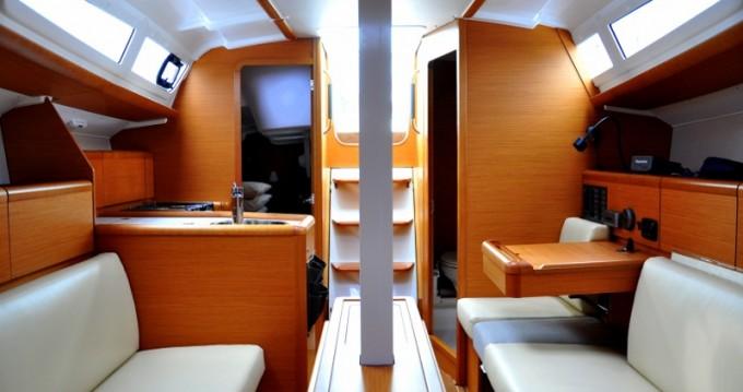 Rental Sailboat in Izola - Jeanneau Sun Odyssey 33i