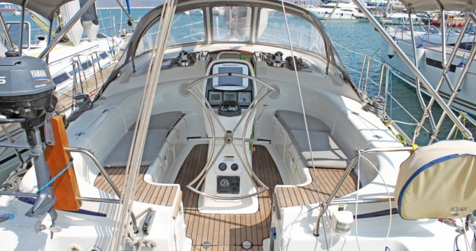Rental Sailboat in Lávrio - Bavaria Bavaria 39 Cruiser